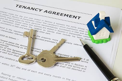 Signing the tenancy